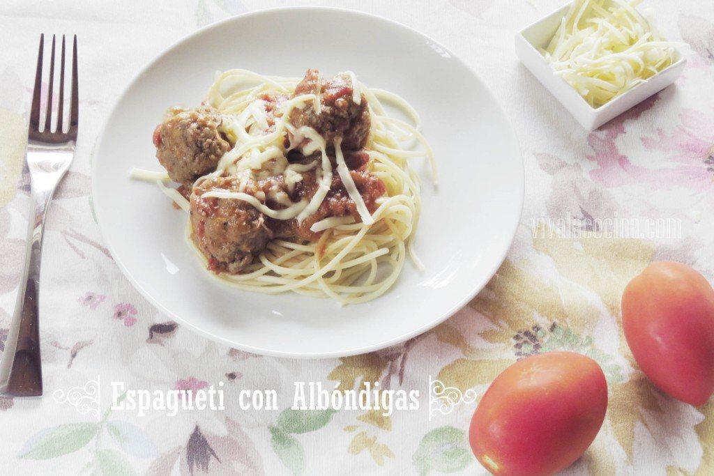 Espagueti con Albóndigas