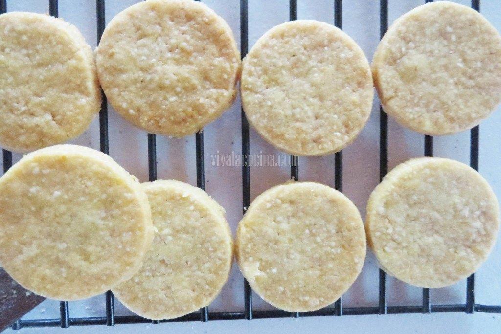 Sexto paso de la receta de galletas de Naranja: Dejar reposar las galletas