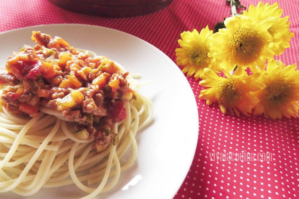 Sphaguetti con salsa ragú recien hechos