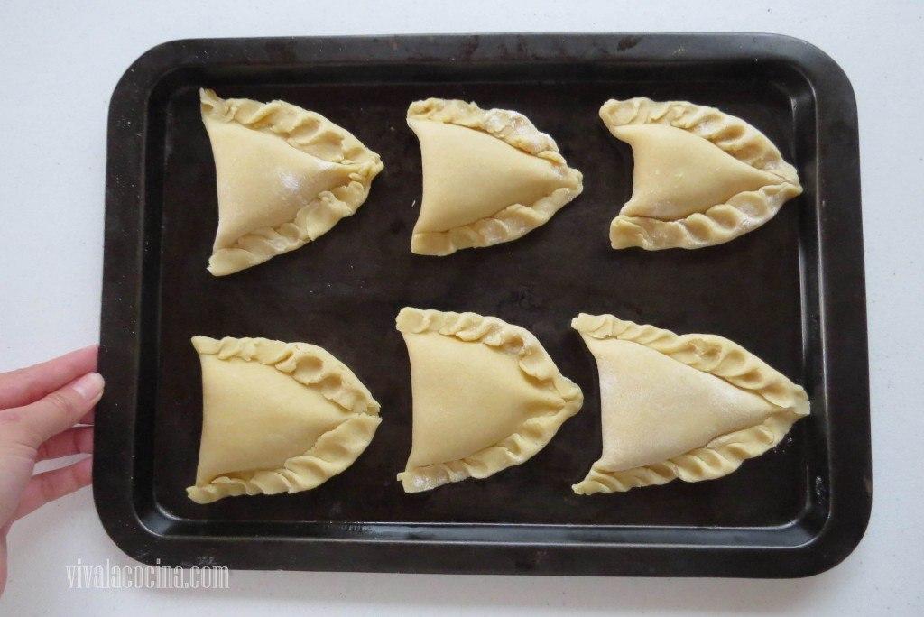 Empanadas de crema en Charola para meter al horno