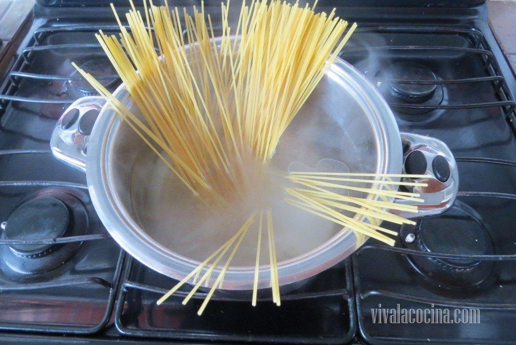 Cocer la Pasta según indicaciones del paquete