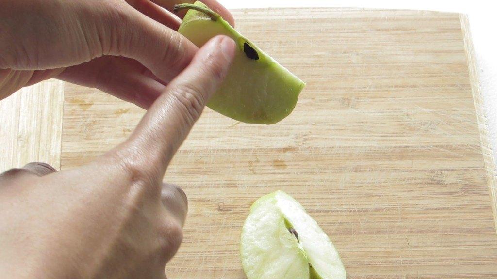 Retirar corazón de las manzanas