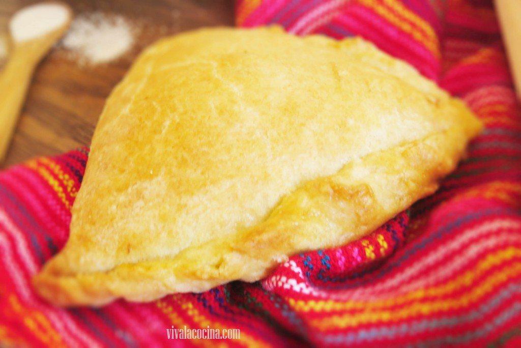 Empanadas de atun recien horneadas