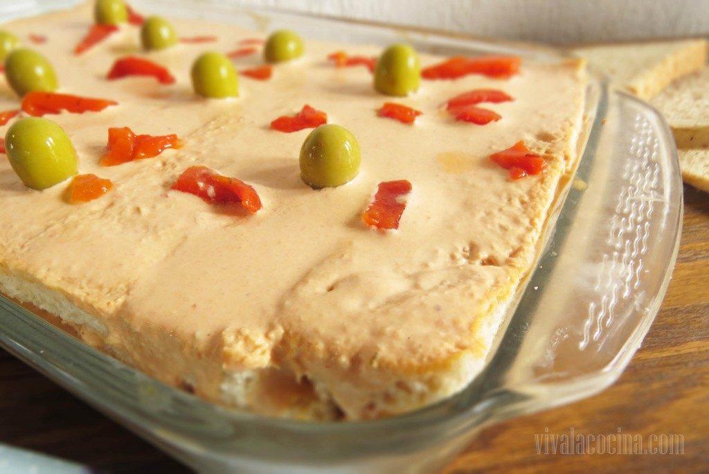 pastel con atún