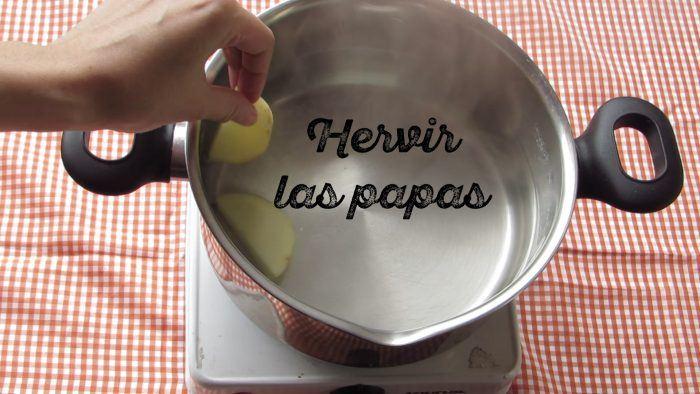 hervir las papas en gajo