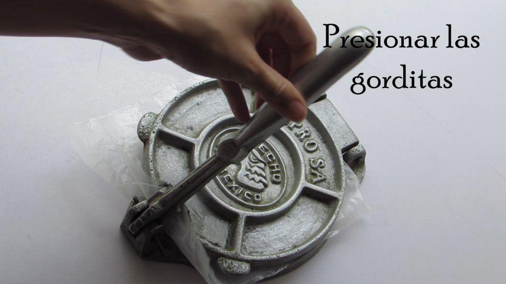 presionar las gorditas