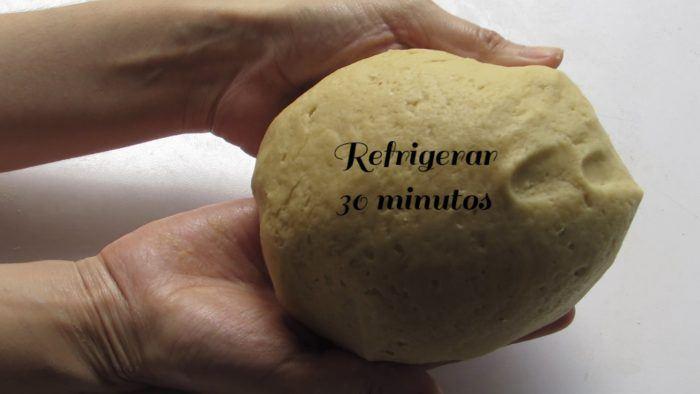 Refrigerar durante 30 minutos la masa
