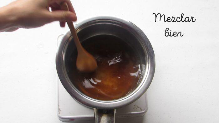mezclar ingredientes de la salsa de soja