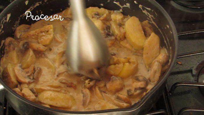 batir la salsa de lomo de cerdo relleno