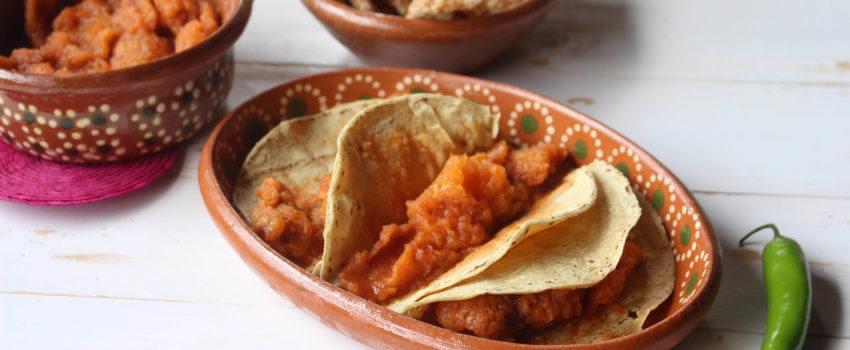 Chicharrón en Salsa Roja: Receta de Guiso Mexicano