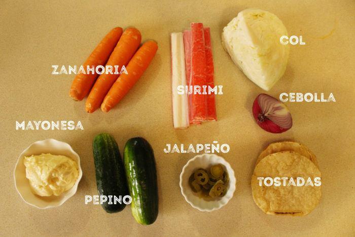 ingredientes de la ensalada de surimi